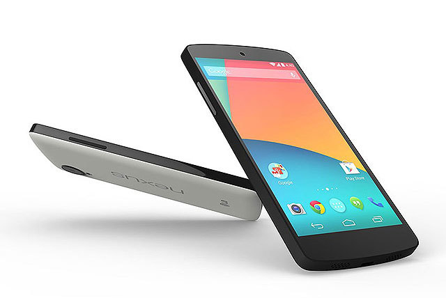 Nexus 5即日起在美国、加拿大、法国、德国、意大利、西班牙、英国、澳洲、韩国与日本的Google Play上发售,有黑色与白色两色选择。