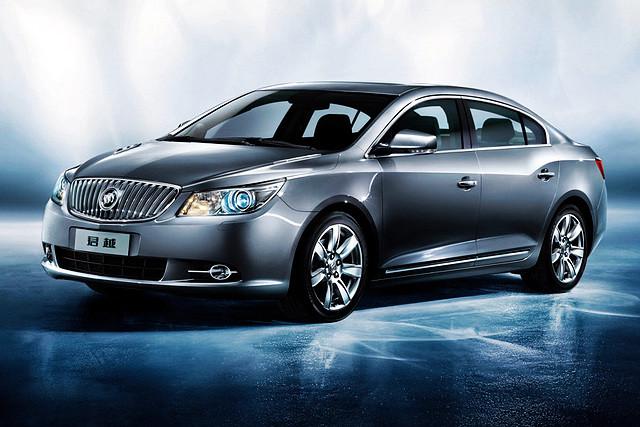 从2009年推出新一代车型以来,君越彻底抛弃以往显得老气的传统美式外观,在欧式优雅设计风格基础上,融入美式的豪情,让人耳目一新。