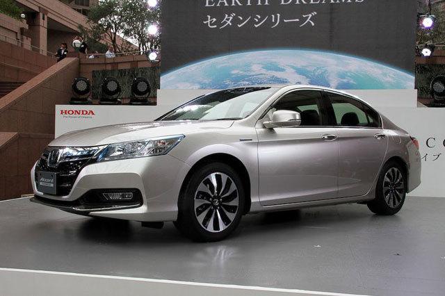 本田雅阁hybrid(CR6),日本本土规格版。