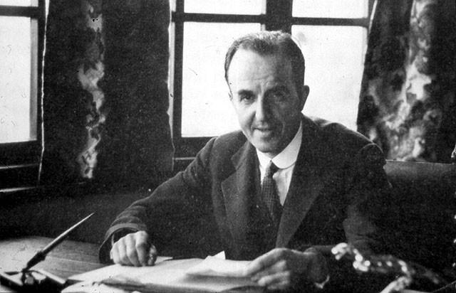 CecilKimber对汽车有着极大的热情,他催生了MG汽车,并让Morris的年产量从400辆(1919年)上升到56000辆(1925年)之多。