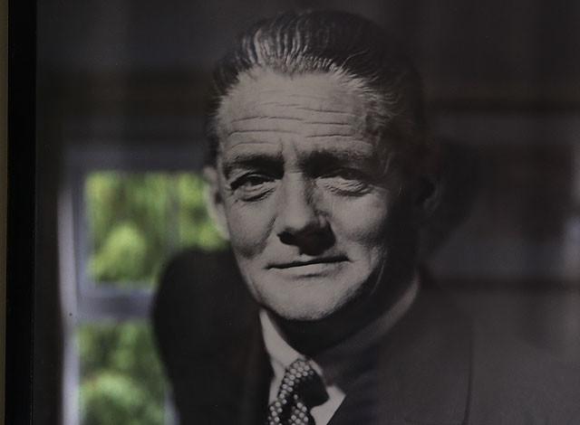 William Morris可说是英国汽车工业启蒙之父,因为对英国汽车工业的重大贡献,被英国皇室授予诺非尔德勋爵(The Lord Nuffield)称号。