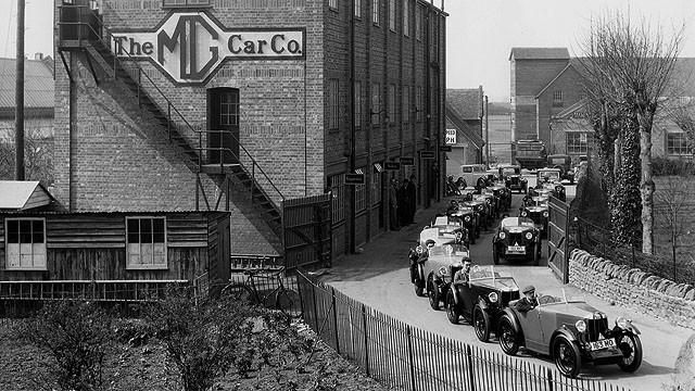 929年,MG迁厂至Abingdon,并在此生产MG汽车长达半世纪之久,直到1980年为止。图片拍摄于1930年,是从今日MG Car Club总部-Kimber House的窗口拍摄。