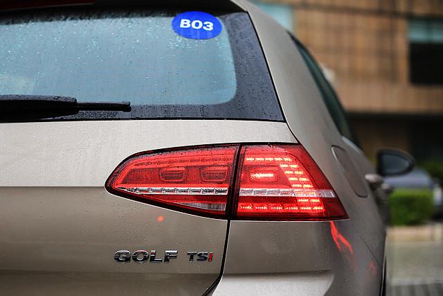 国产高尔夫7采用了欧版高尔夫7 GTI版本才具备的LED尾灯。