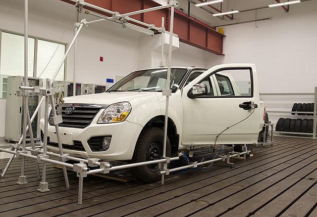 结构和底盘实验室-车门耐久性实验