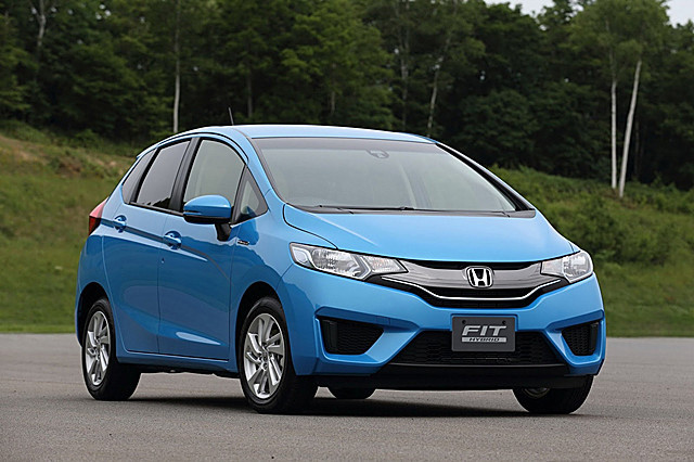 2014-Honda-Fit-Jazz-1[2]