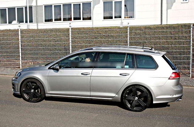 VW-Golf-R-Variant-4[3]