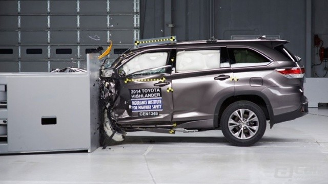 2014-toyota-highlander-gets-iihs-top-safety-pick-award-79731_1