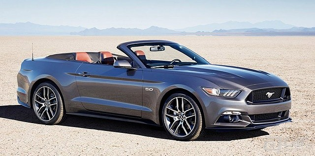 Ford-Mustang_Convertible_2015_800x600_wallpaper_01