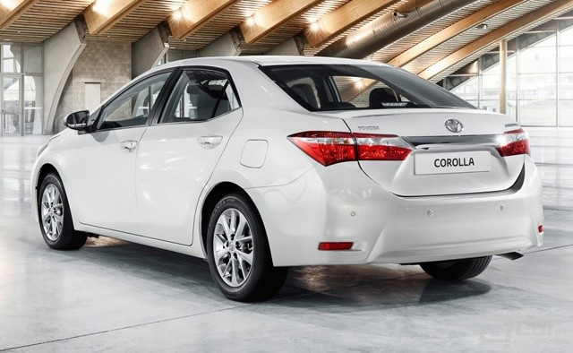 2014_toyota_corolla_sedan_europe_03-0607-m-930x584