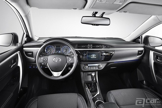 2014_toyota_corolla_sedan_europe_06-0711-m-930x584
