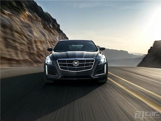 2014-Cadillac-CTS-Sedan-040_副本