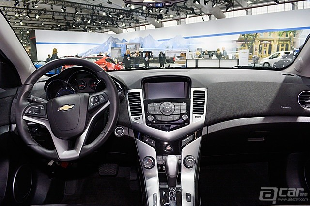 2015-chevy-cruze-13-1_副本