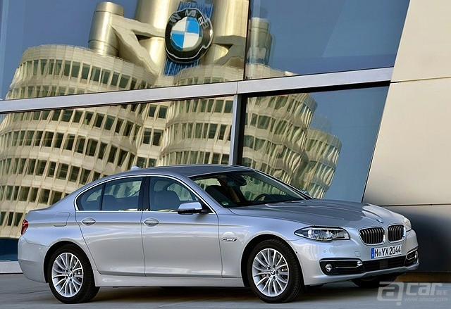 BMW-5-Series_2014_800x600_wallpaper_02