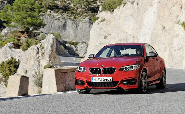 BMW-M235i-Coupe-1[2]