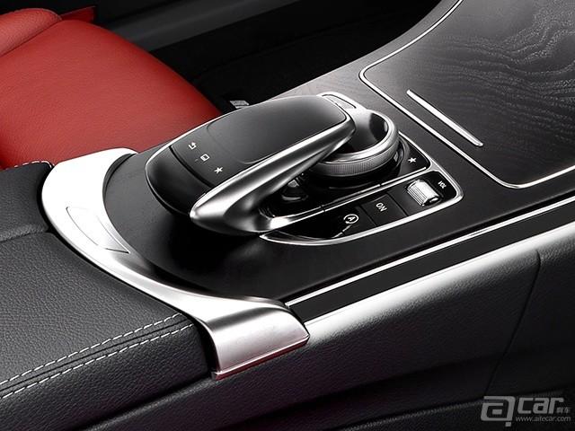 Mercedes-Benz-C-Class_2015_1600x1200_wallpaper_67