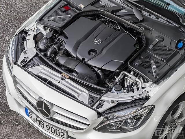 Mercedes-Benz-C-Class_2015_1600x1200_wallpaper_78