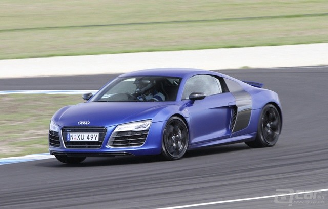 2013-Audi-R8-Track-Review-Philip-Island-03