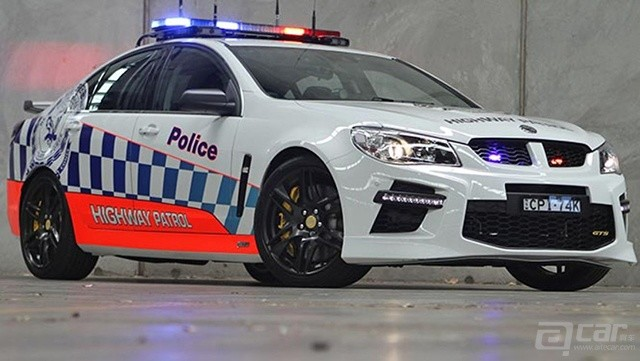 HSV-GTS-Police-car-2