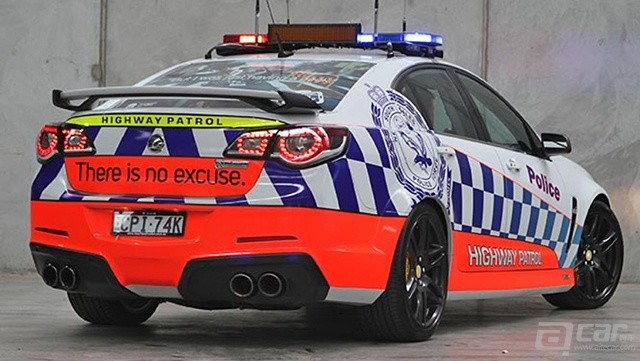 HSV-GTS-Police-car-4