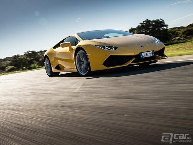 Lamborghini-Huracan_LP610-4_2015_1600x1200_wallpaper_0e