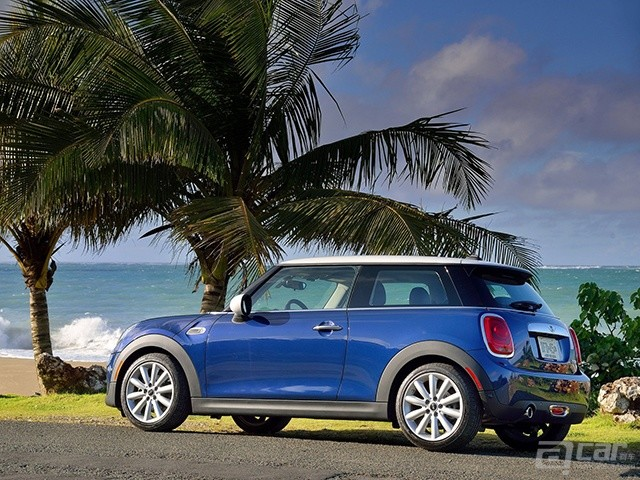 Mini-Cooper_2015_1600x1200_wallpaper_46