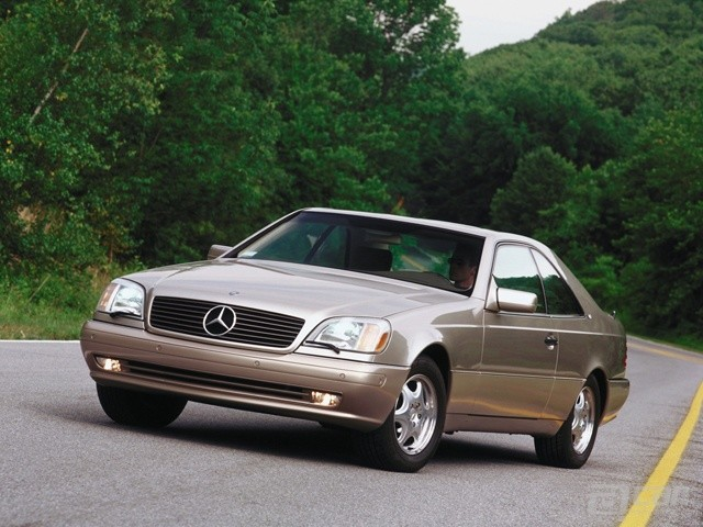 CL coupe, gold, static shot, 3/4 front view