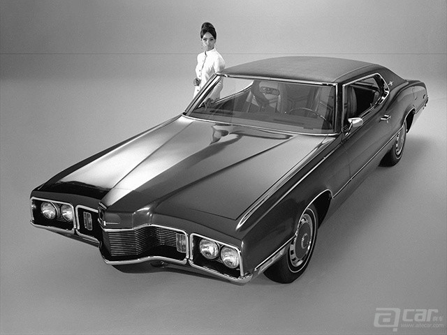 Ford-Thunderbird_1970_1600x1200_wallpaper_01