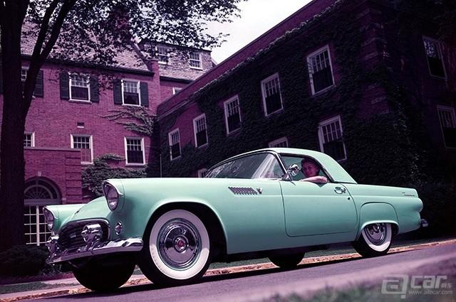 1955 Ford Thunderbird Front Three Quarters