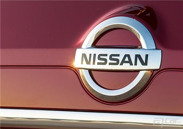 Nissan-Rogue_2014_1600x1200_wallpaper_26_副本