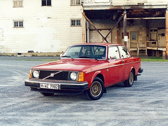 autowp.ru_volvo_242_2_副本