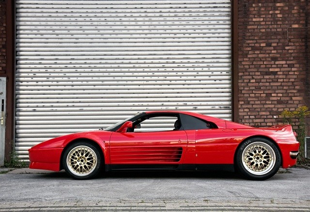 Ferrari-Enzo-Mule-1