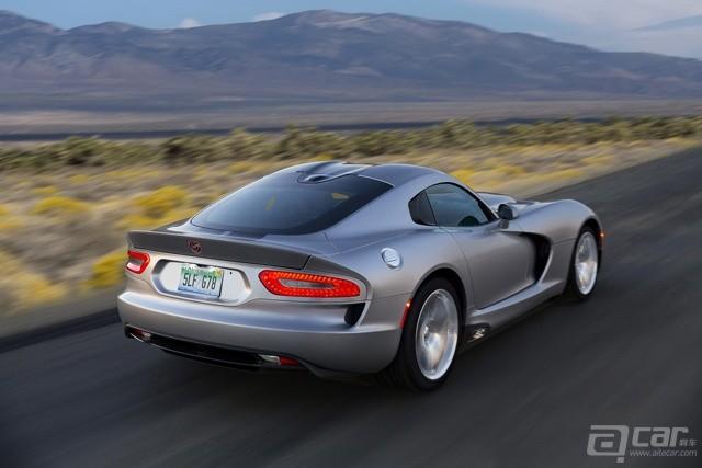 2015-Dodge-Viper-SRT-6