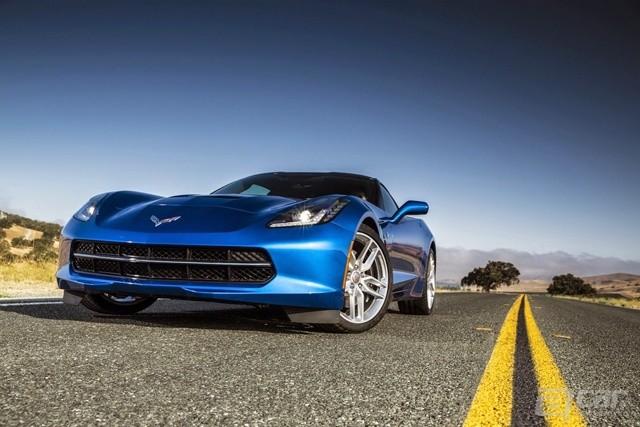 2014-Chevrolet-Corvette-3[2]