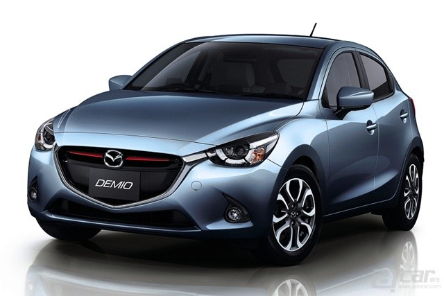 all-new-mazda2-goes-on-sale-in-japan-from-135-million-yen-video_6