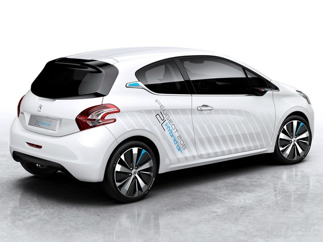 peugeot-208-hybrid-air-concept-revealed-ahead-of-paris-debut_1