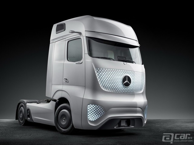 Mercedes-Future-Truck-2025-21