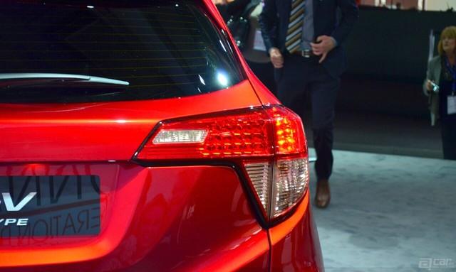 00003_honda-hr-v-prototype-for-europe-taillight-at-2014-paris-motor-show