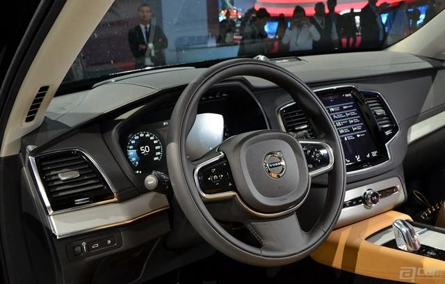 Volvo-XC90-Paris-2014-18