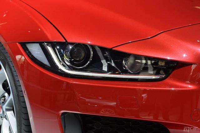 00009_09-2016-jaguar-xe-paris-1