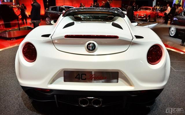 Alfa-4C-Spider-Paris-2014-05