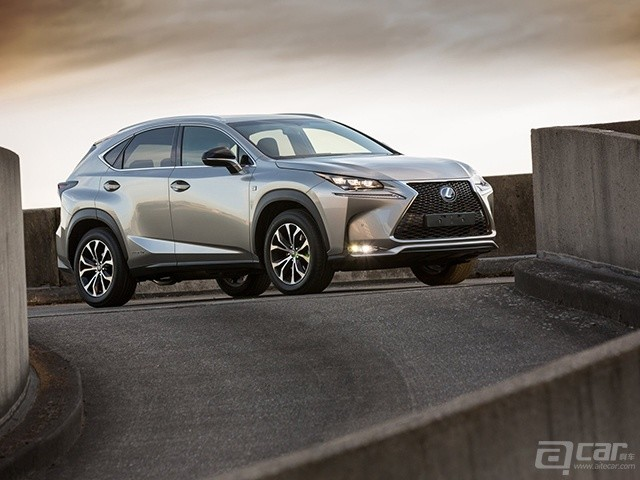 Lexus-NX_2015_1600x1200_wallpaper_01