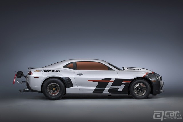2015-chevrolet-copo-camaro-arrives-at-sema-only-69-will-ever-be-built_2
