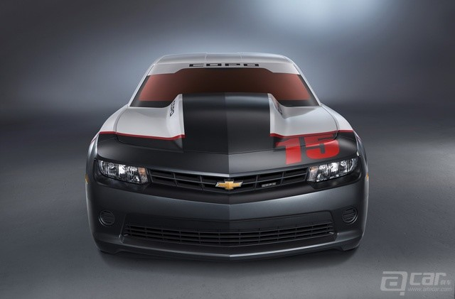 2015-chevrolet-copo-camaro-arrives-at-sema-only-69-will-ever-be-built_3