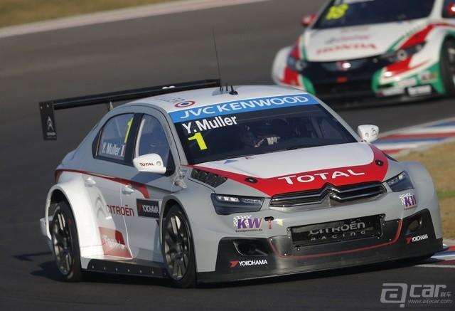 2014-WTCC-Yvan-Muller-in-action-at-Termas-de-Rio-Honda_resize