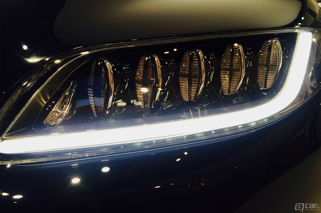 lincoln-continental-concept-live-reveal-front-light-bankt