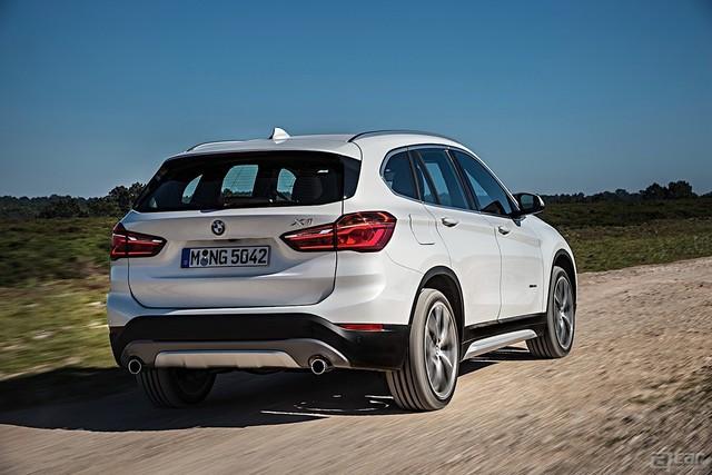 BMW-X1-5448_30