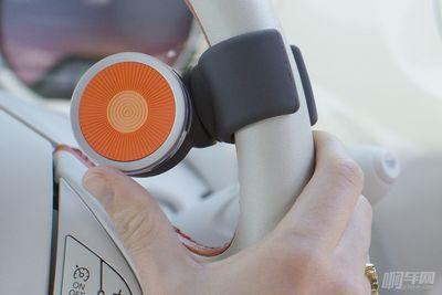 这辈子能不能用上奔驰的Dual Thumb Control,得靠它了!