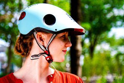 解决了安全问题后,智能头盔要进军极限运动拍摄