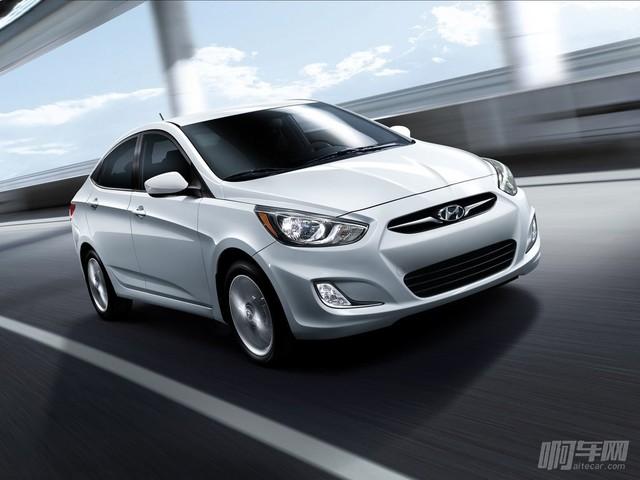 Hyundai-Accent-2012-1024-01
