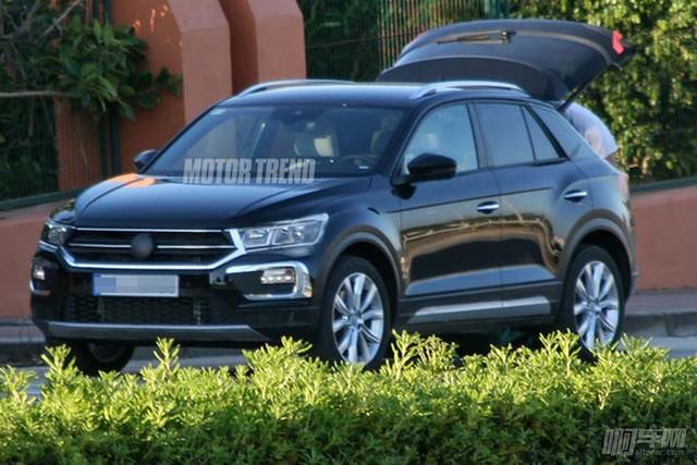 2018-Volkswagen-T-Roc-prototype-front-three-quarter-e1491846430688